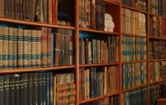 Bibliotheek met oude boeken